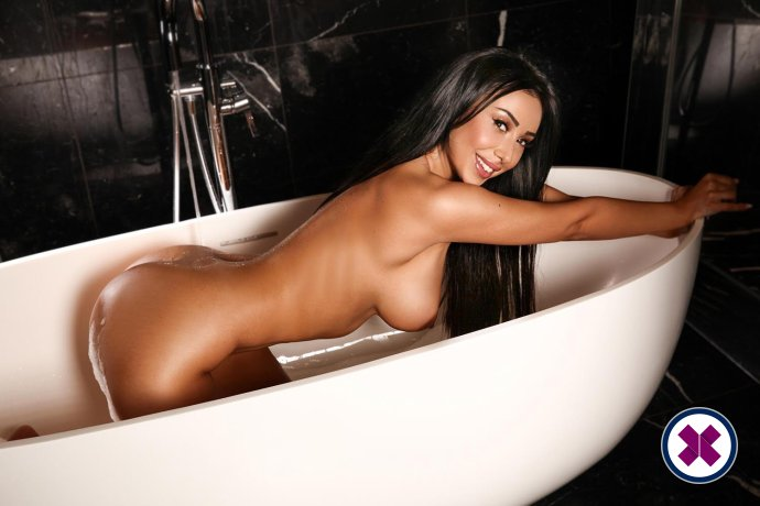 Alice is een sexy Romanian Escort in Westminster
