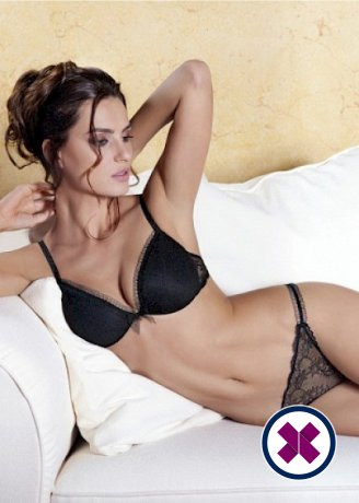Michelle is a hot and horny Romanian Escort from Den Haag
