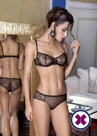 Michelle is a sexy Romanian Escort in Den Haag